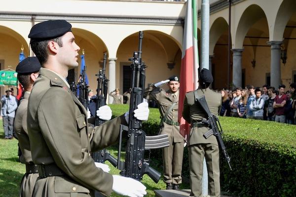 Alzabandiera al 152° anniversario dell'Esercito Italiano