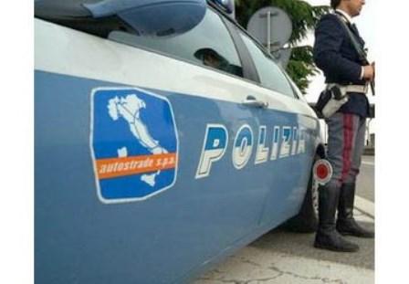 polizia stradale anziano piccola
