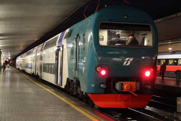 Resteranno aperte, sulla linea ferroviaria Firenze-Viareggio, anche le piccole stazioni