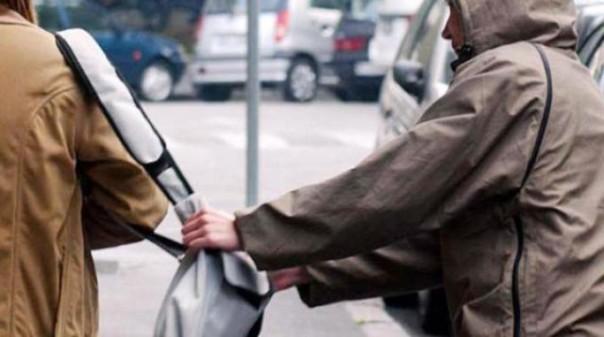 La polizia ha bloccato ed arrestato lo scippatore brasiliano