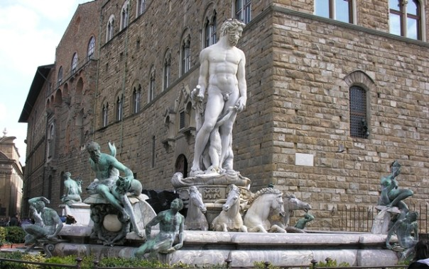Fontana del Nettuno in piazza della Signoria a Firenze