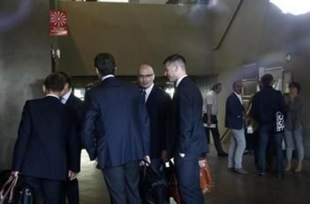 Baldassarri con i suoi avvocati prima dell'udienza del processo Mps