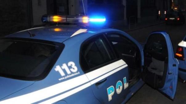 Dopo la rissa gli extracomunitari si sono scagliati contro i poliziotti