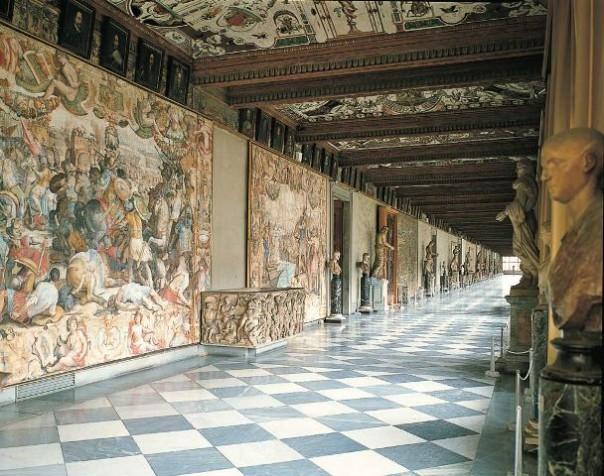 Il primo corridoio degli Uffizi