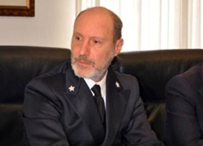 Il capitano De Falco, diventato famoso, nella notte fra il 12 e il 13 gennaio 2012 quando ordinò a Schettino: salga a bordo c....