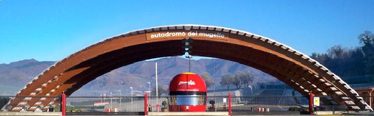 L'ingresso all'autodromo del Mugello