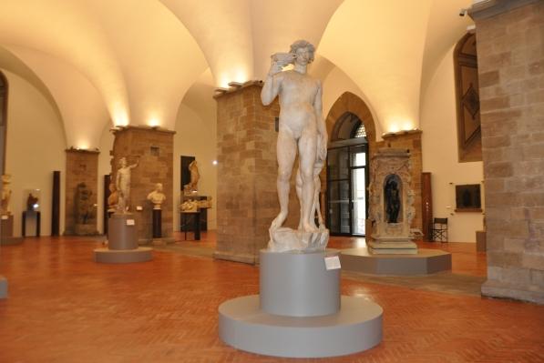 Bargello, sala Michelangelo, dopo il riallestimento