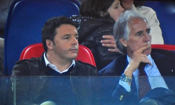 Matteo Renzi in tribuna d'onore nell'allucinante notte dell'Olimpico