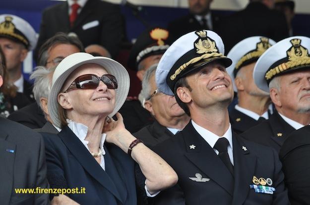 La madrina Maria Venuti ed il capitano di fregata Giuseppe Galeandro comandante del nuovo sommergibile (Foto FirenzePost)