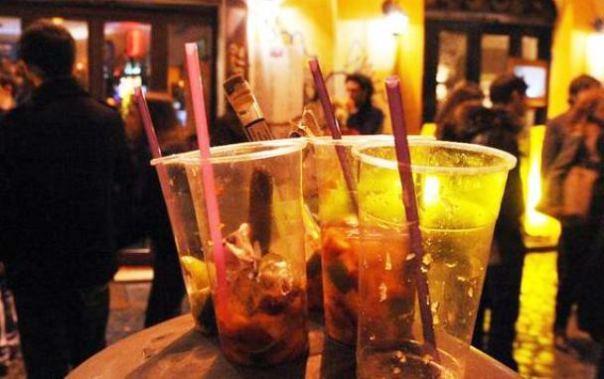 Abuso di alcolici dentro e fuori i locali
