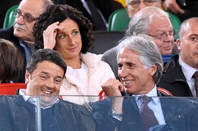 Renzi e Malagò, presidente del Coni, in tribuna allo Stadio Olimpico