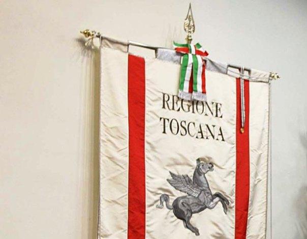 Il Pegaso, cavallo alato, simbolo del Gonfalone della Regione Toscana