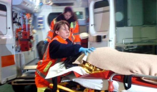 I naufraghi soccorsi e trasportati in ospedale