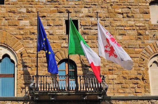 Il balcone di Palazzo Vecchio su piazza Signoria
