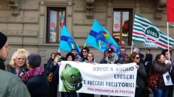 Province, manifestano i lavoratori