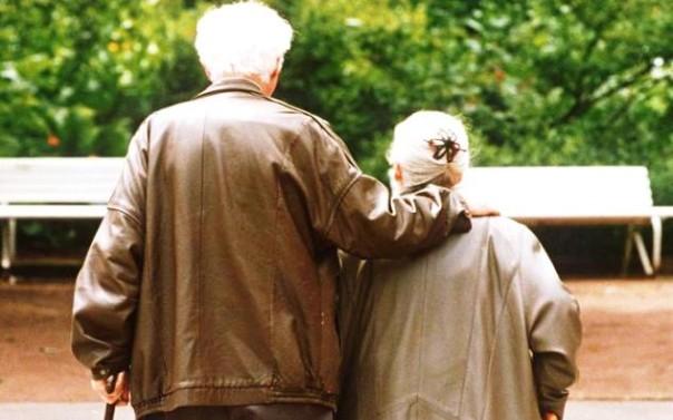 Anziani coniugi