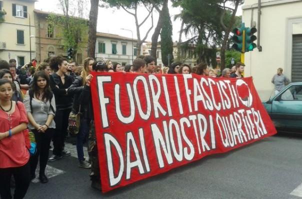 Coverciano, il corteo di collettivi e anarchici (foto Twitter - Maruscopetri)
