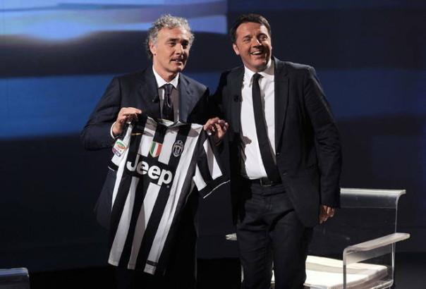 Giletti offre a Renzi la maglia della Juve