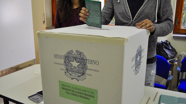 Urna elettorale elezioni regionali 2015