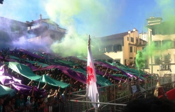 Calcio Storico 2015, la spettacolare coreografia dei tifosi Verdi