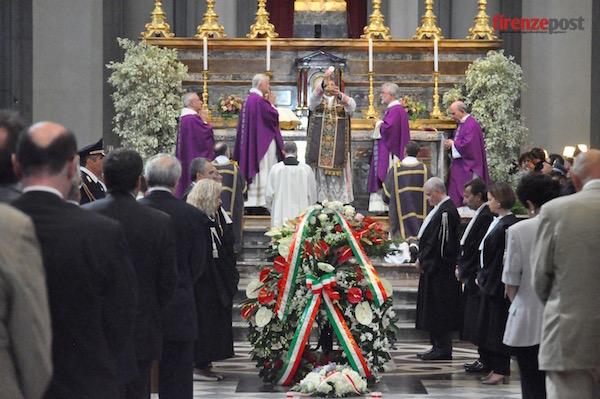 La salma di TIndari Baglione durante i funerali