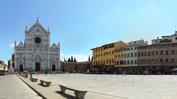 Firenze, piazza Santa Croce, sede della Festa Guelfa