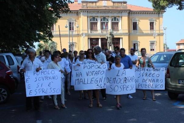 Manifestazione a Pietrasanta