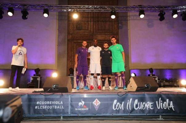 Il palco della Fiorentina in Santo Spirito