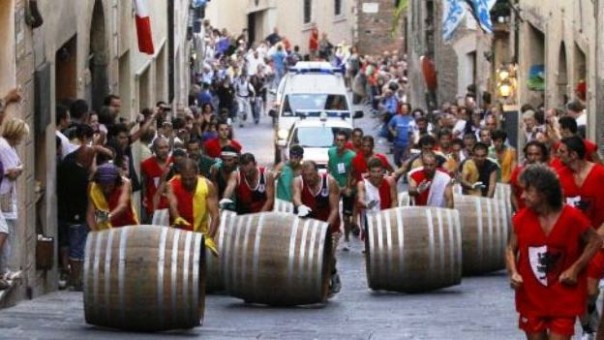 Il Bravìo delle botti a Montepulciano: domenica 30 agosto 2015
