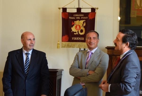 da sin. il comandante uscente Michele Iuffrida, il nuovo comandante Roberto Lupica  con il direttore regionale Gregorio Agresta