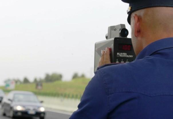 Fucecchio, polizia municipale in azione col telelaser