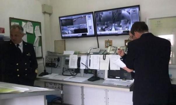 Viareggio, proseguono le ricerche dei due cugini pescatori