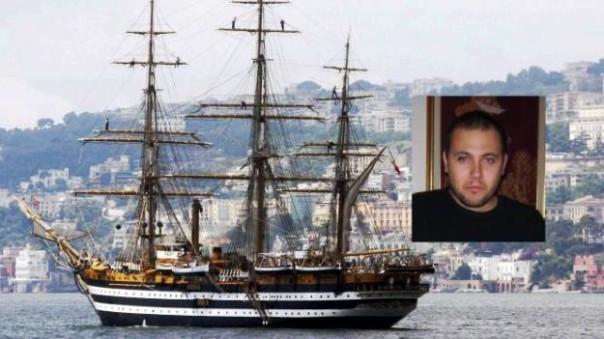 La nave scuola Amerigo Vespucci. Nel riquadro Alessandro Nasta