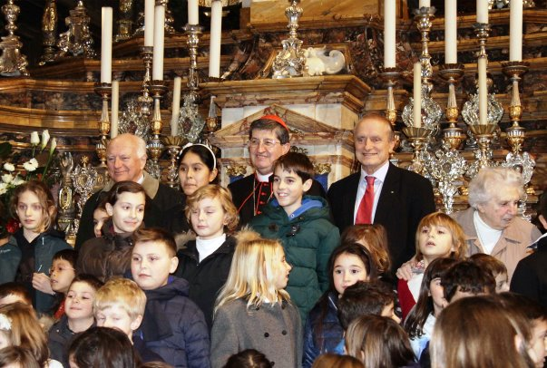 Capannucce in città, il cardinale Betori e Mario Razzanelli con i premiati
