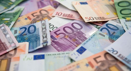 Many euro banknotes, 29 August 2014 in Hamburg. - Infophoto