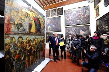 Eugenio Giani davanti al capolavoro del Botticelli