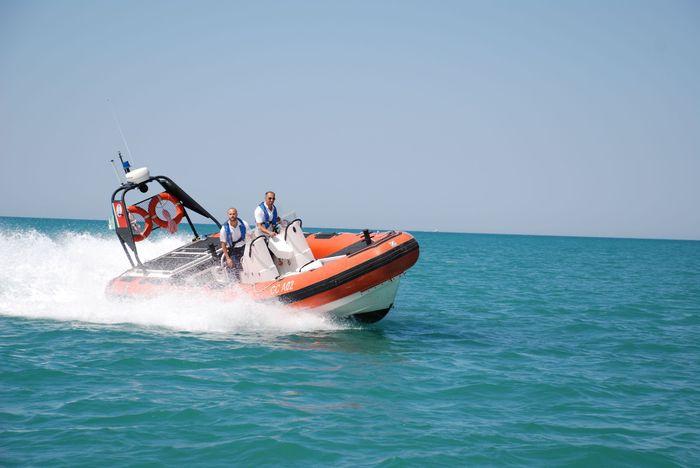 Gommone Guardia costiera