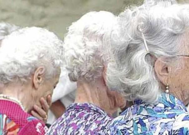 Anziani anziano anziane anziana