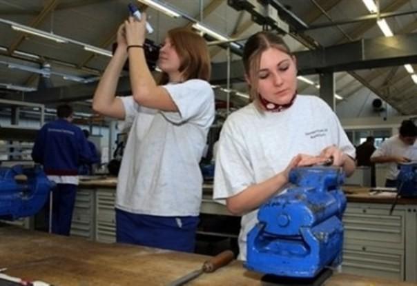 Per-i-giovani-il-lavoro-manuale-continua-ad-avere-scarsissimo-appeal