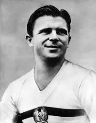 Ferenc Puskas, capitano della Honved e della nazionale ungherese e stella del Real Madrid