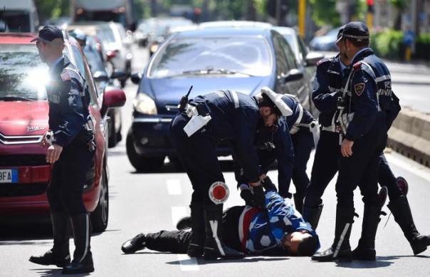 Scippa a 100 metri da un incidente mortale con un morto e tre pedoni coinvolti , arrestato dai vigili21 maggio 2016 ANSA/MAURIZIO DEGL INNOCENTI