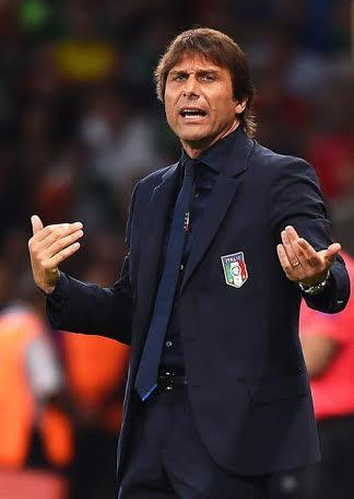 Antonio Conte, arrabbiato e deluso per la sconfitta