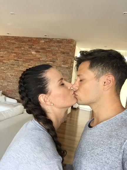 Maurito Zarate con la moglie Natalie (foto dal profilo Twitter di Zarate)
