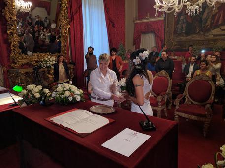 Prima unione civile, in Palazzo Vecchio, fra lei e lei: Danila e Carmina