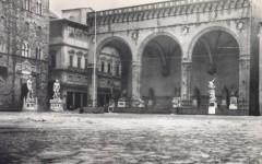 Piazza Signoria inondata, il 4 novembre 1966