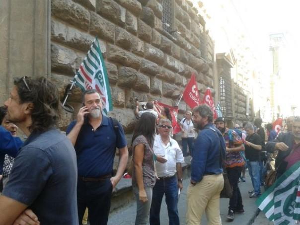 Firenze migranti sovrattassa sul permesso di soggiorno for Permesso di soggiorno pronti alla consegna