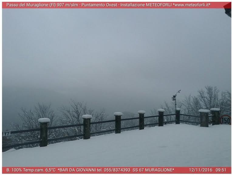 Il passo del Muraglione ricoperto di neve, oggi 12 novembre 2016