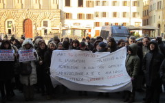 Presidio dei lavoratori del Comune sotto Palazzo Vecchio