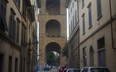 Il quartiere di San Niccolò insorge per le modifiche (temporanee) alla linea 23 del bus che hanno tagliato fuori dal tracciato l'intera zona (foto, fonte: Wikipedia)