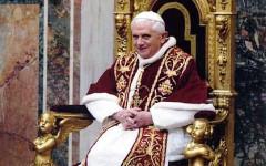 Dispiacere e sgomento per la notizia delle dimissioni del Papa (autore: Peter Nguyen)